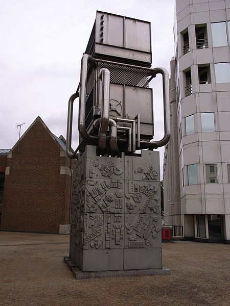 450px-Paolozzi_London_Pimlico_Station